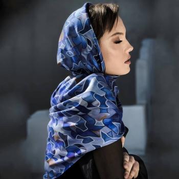 Letting thoughts and feelings take over! • • • #betandmalfie#betandmalfiegirls#youwearitbetter#TheEndlessSelf#scarf#scarves#silkscarf#silkscarves#silk#longsilkscarf#squaresilkscarf#skinnysilkscarf#madeinEurope#sustainablefashion#ethicalfashion#womensfashion#art#fashion#design#style#travelling#welltravelled#shoponline#greekdesigners#greekinspired